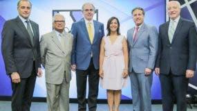 Lawrence Hazoury, Luis López, David Fernández, Mildred Minaya, Gustavo Ariza y Pedro Esteva.