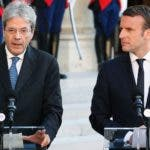 Emmanuel Macron, y el primer ministro italiano, Paolo Gentiloni.