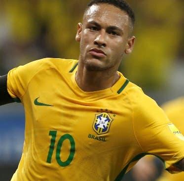 Neymar cumple 27 años y mejora de su lesión