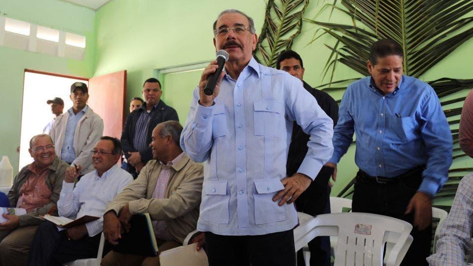 Danilo Medina visita productores agropecuarios y ganaderos de Dajabón