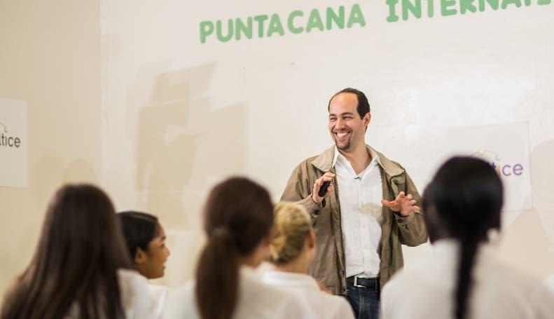 Alejandro García, imparte la charla.