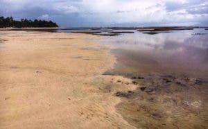 Las aguas del mar en Las Terrenas se alejaron 50 metros de la orilla, situación que mantiene atemorizados a los residentes.