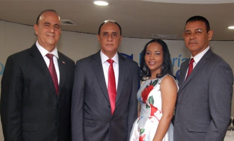 Luis de León, Héctor Minaya, Luisa de los Santos y Rafael Menoscal.