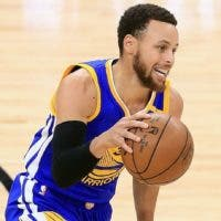 Stephen Curry es el motorizador en la ofensiva de los Warriors.