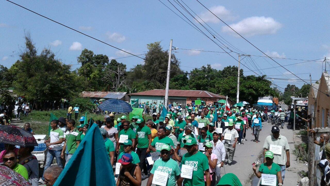 Resultado de imagen para fotos de la marcha verde en azua