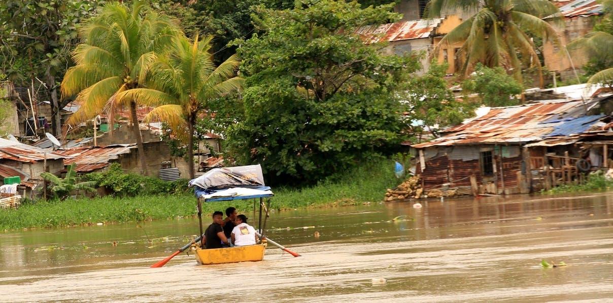 Con 20 pesos se cruza el río Ozama
