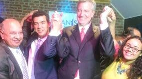 alcalde-ny-endosa-reeleccion-concejal-ydanis-rodriguez-alto-manhattan