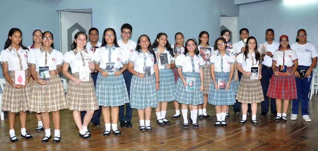 Los estudiantes durante el acto celebrado en el Colegio Serafín de Asís.