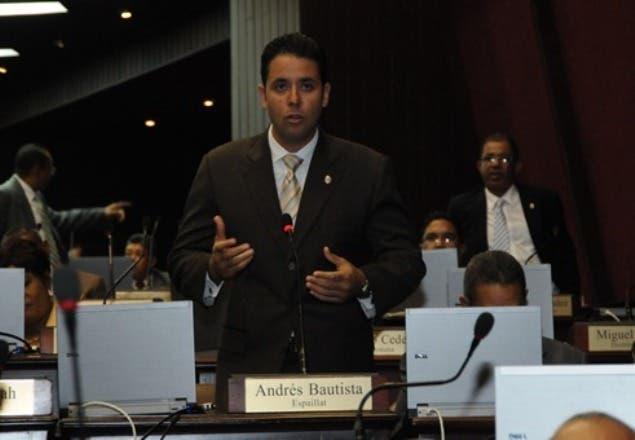 Diputado exige castigo para quienes pusieron droga a Juan Comprés