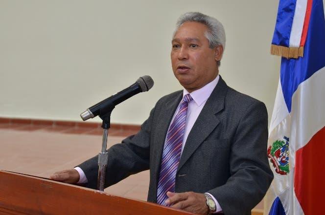 Isidoro Santana, ministro de Economía, Planificación y Desarrollo.