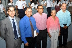 Darwin Caraballo, Luis Felipe de Jesús Ulerio,Rafael Peralta Romero, Rosa Francia Esquea y Avelino Stanley.