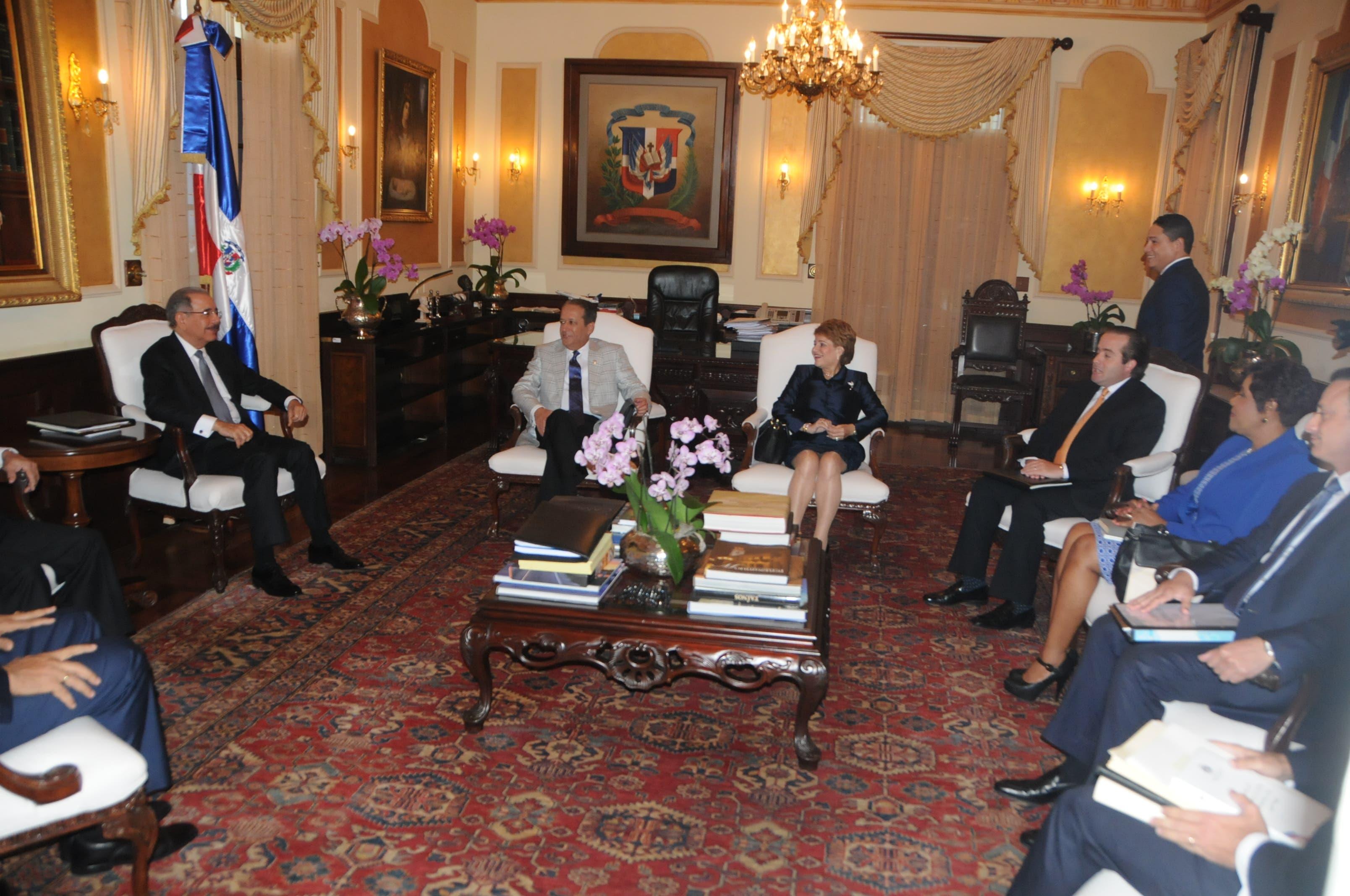 Los miembros del Consejo Nacional de la Magistratura están reunidos en el Palacio Nacional. Nicolás Monegro.