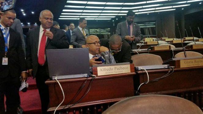 Diputados envían a Consejo pedido de retiro de inmunidad a Alfredo Pacheco