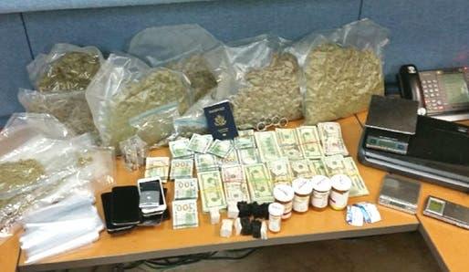 Arrestan criolla estaba en un apartamento que allanó la policía y encontró drogas