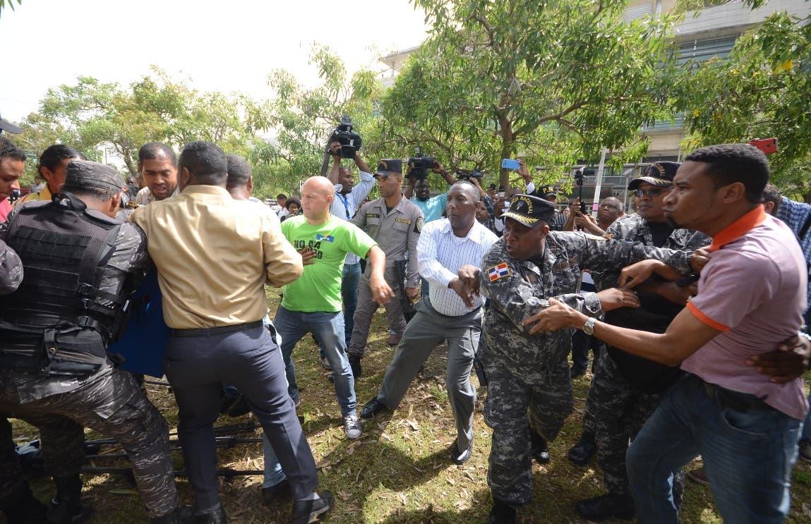 Interior y Policía: Instalación de campamento habría trastornado el tránsito y orden