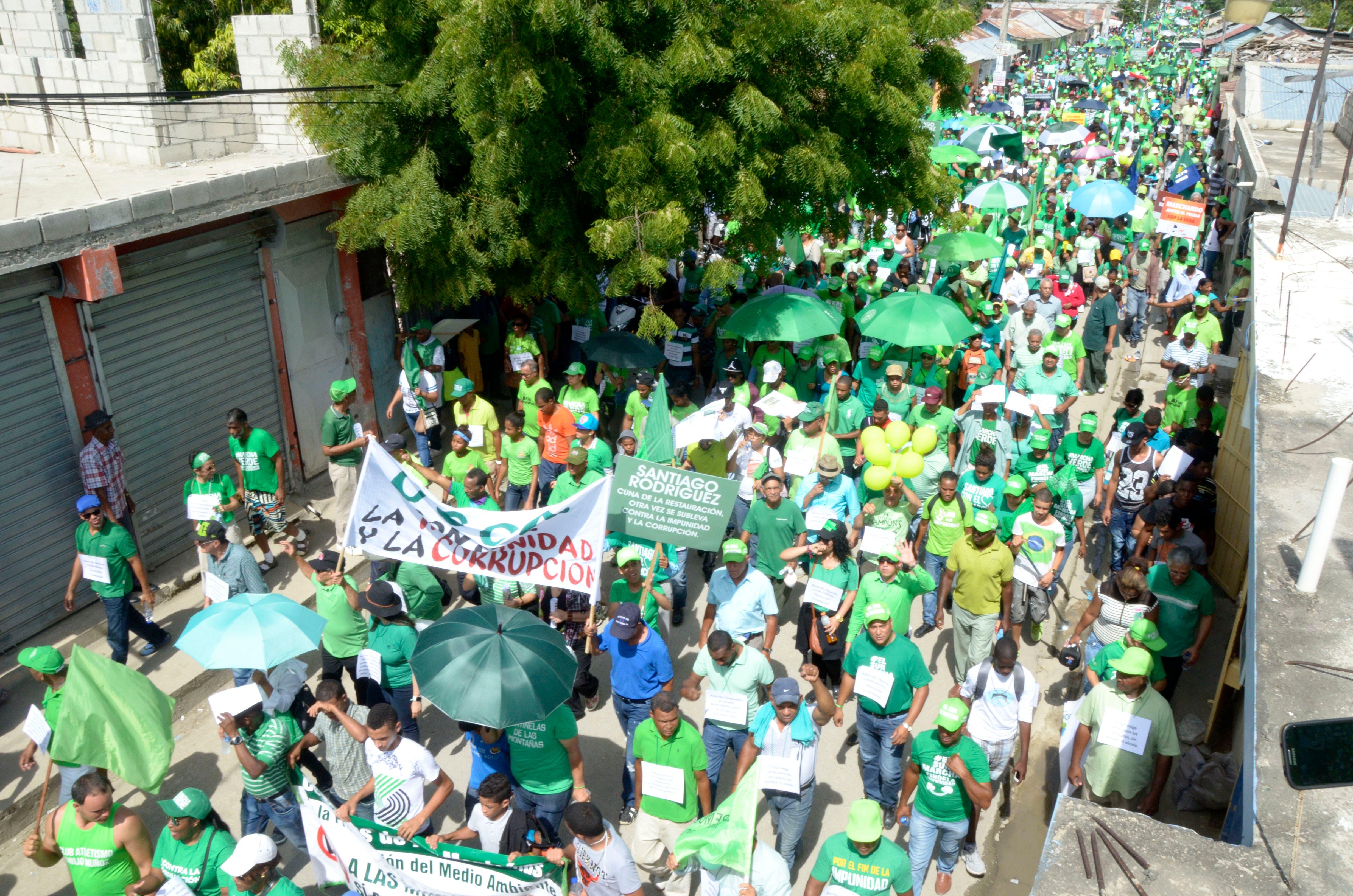 Cientos recorren San Pedro de Macorís en la Marcha Verde