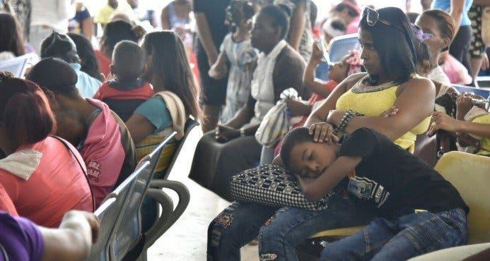 Video: Hospitales siguen abarrotados por casos de conjuntivitis