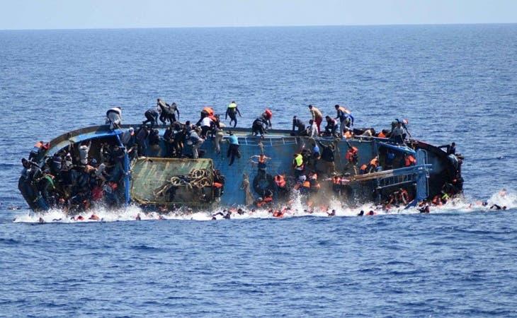 Desaparecidos 245 refugiados tras naufragios en Mediterráneo