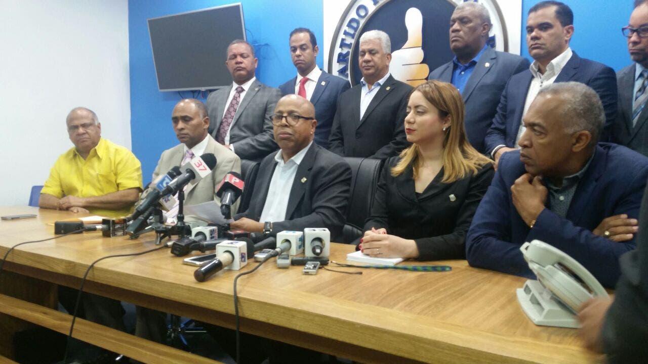 Dirigentes del PRM visitan a sus compañeros presos por caso Odebrecht