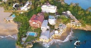 El nacimiento de la playa en Sosúa ha generado curiosidad. Foto: Domingo Junior Saint Hilaire,