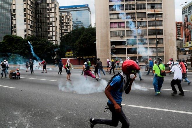 """Oposición venezolana protesta con """"gran plantón"""" en varias ciudades del país"""