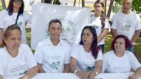 Miembros de la junta de vecinos denuncian violación  derechos.