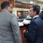 Abogados de Andrés Bautista cuando depositaban el recurso.