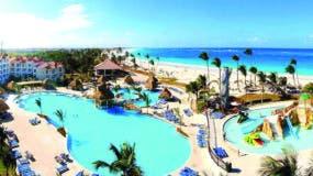 El confort y la relajación  se disfrutan a cada instante, combinados con una espectacular vista a su playa de arena fina y blanca.