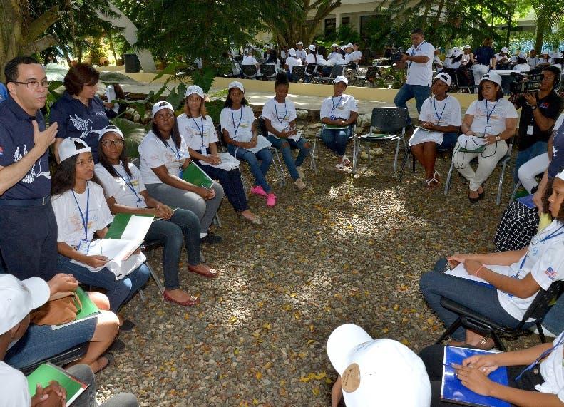 Ideas de estudiantes serán atendidas por el Ministerio de Educación