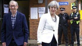 Los conservadores de la primera ministra británica, Theresa May, han perdido la mayoría absoluta en las elecciones de ayer.