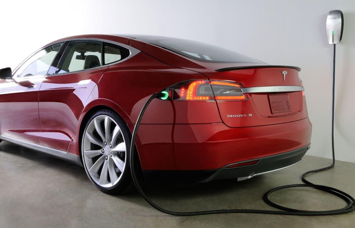 Tesla es la empresa líder en el mercado de los vehículos eléctricos en Estados Unidos.