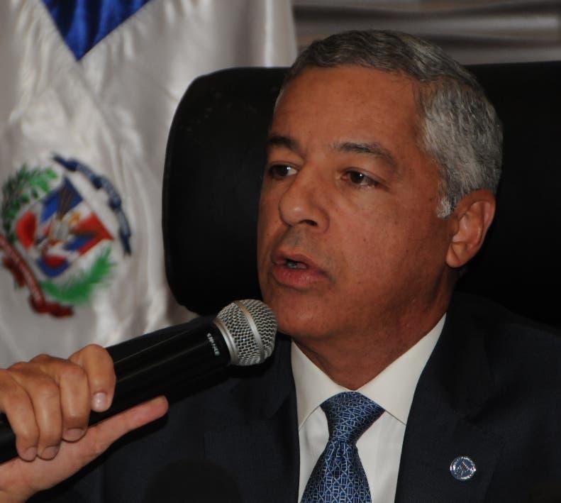 El ministro Donald Guerrero hizo el anuncio en rueda de prensa.