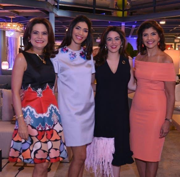 Iranna Canaán, Daniela Cruz Rizek, Lauren Lama y Marcelle Rizek.