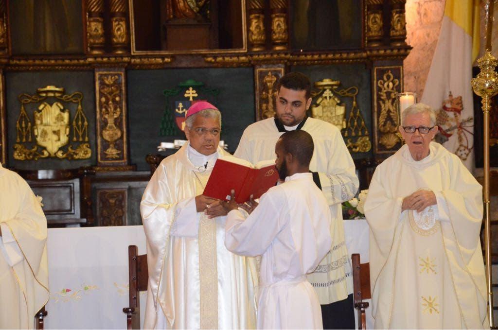 Monseñor Ozoria se manifiesta en contra de privilegios en las cárceles