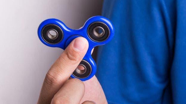 El fidget spinner nació hace 20 años para ayudar a niños autistas e hiperactivos con problemas de estrés.