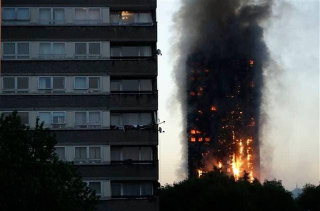 Van 17 víctimas por incendio de Londres; habría más fallecidos