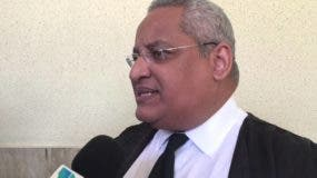 Luis Rivas, abogado.