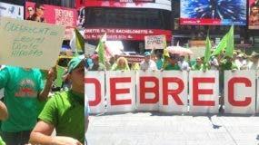 piquetean-consulado-dominicano-ny-por-caso-corrupcion-e-impunidad-rd