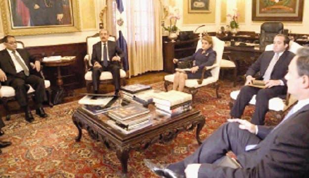 Archivo. El presidente Danilo Medina encabeza una reunión del Consejo Nacional de la Magistratura en el Palacio Nacional.