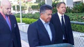 Rafael Peña llegó a la Procuraduría junto a sus abogados. Foto: @informativosTA.