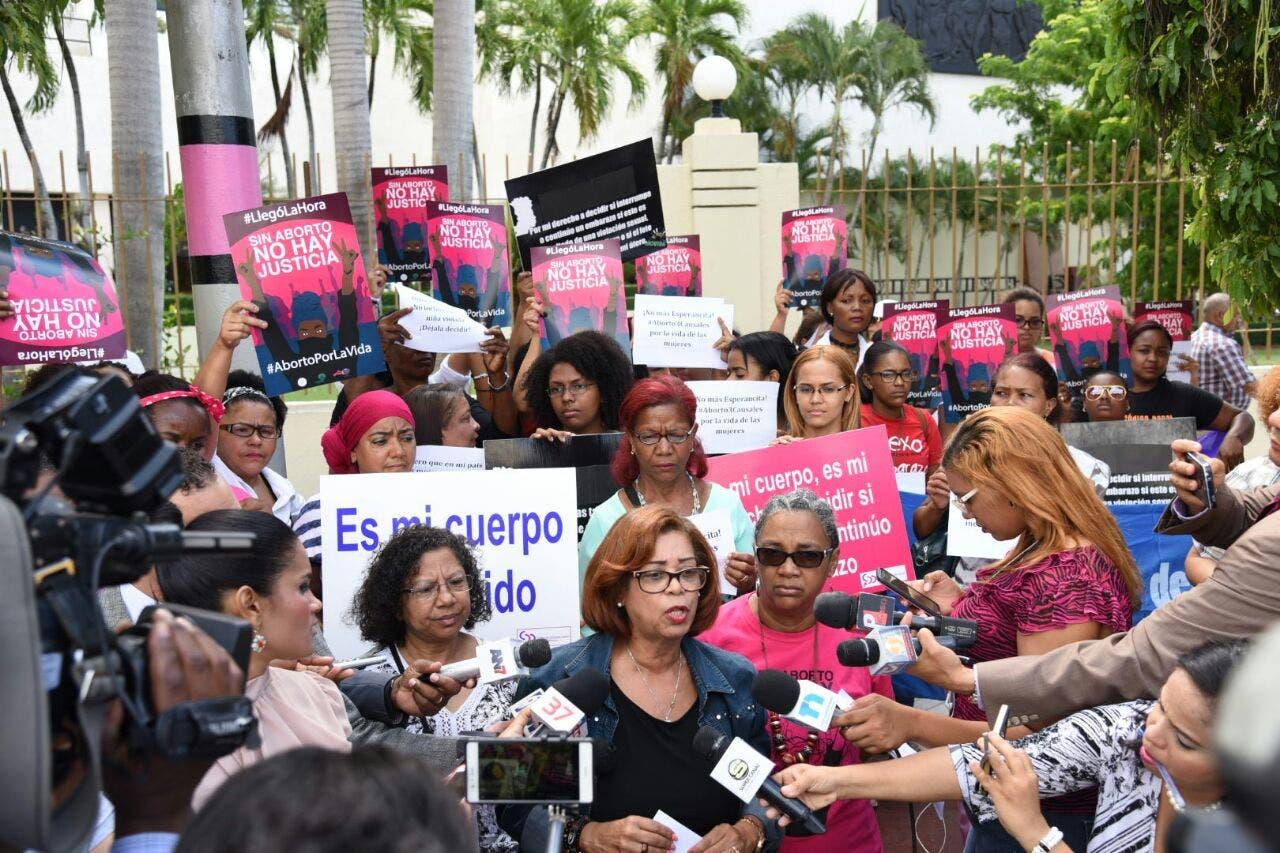 Ley de aborto de Chile debe servir de ejemplo a otros países, según el Times