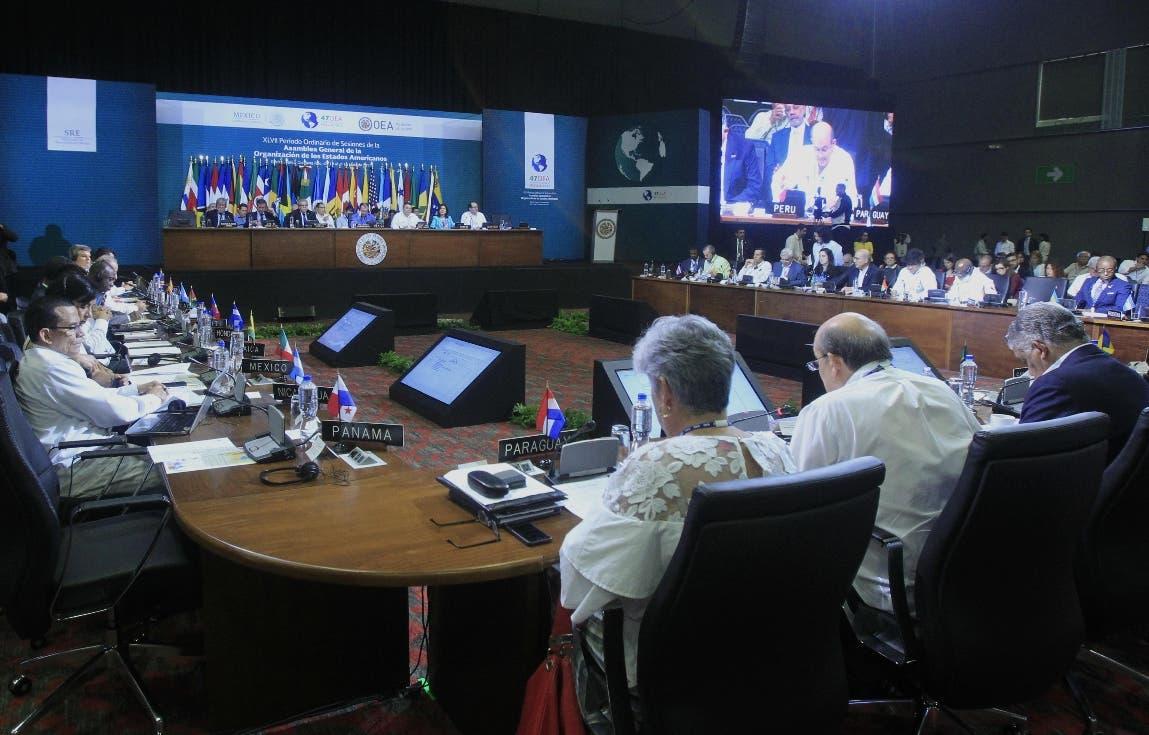 Vista general de la la segunda plenaria de Ministros de Relaciones Exteriores de la 47 Asamblea General de la Organización de Estados Americanos (OEA) en Cancún, en el estado de Quintana Roo (México). EFE