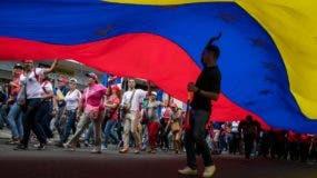 """MANIFESTACIÓN CHAVISTA EN CARACAS EN CONTRA DEL """"TERRORISMO"""" Y EN APOYO A MADURO"""