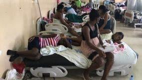 El Colegio Médico denunció que en el hospital hay un hacinamiento de hasta cinco recién nacidos en un cunero.