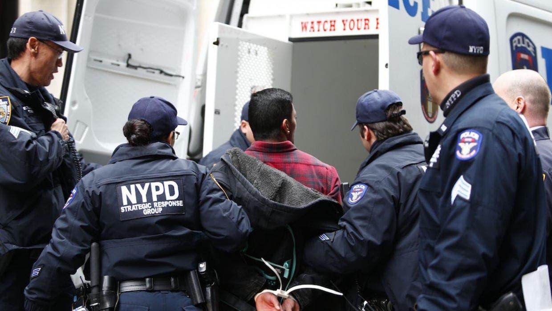 """Veintiuno de los pandilleros fueron acusados de distribuir """"grandes cantidades de drogas"""" y varias armas de fuego."""