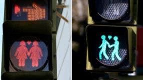 El gobierno local informó que pagó 22.000 euros (25.000 dólares) para reemplazar 288 semáforos en 72 esquinas.