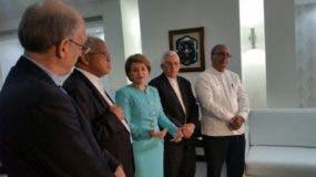 La directiva de Conferencia del Episcopado Dominicano visitó a la presidenta de la Cámara de Diputados, Lucía Medina.Foto: Degnis De León.