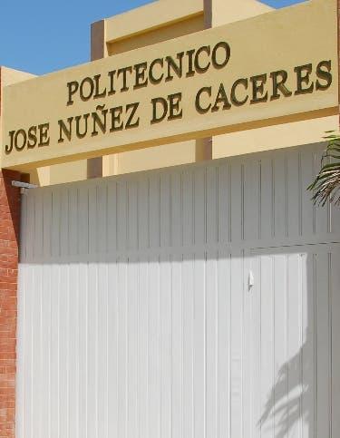 Danilo Medina entrega un liceo en San José de Ocoa