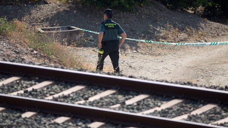 Hallan muerta en vías férreas a niña de 3 años desaparecida en España
