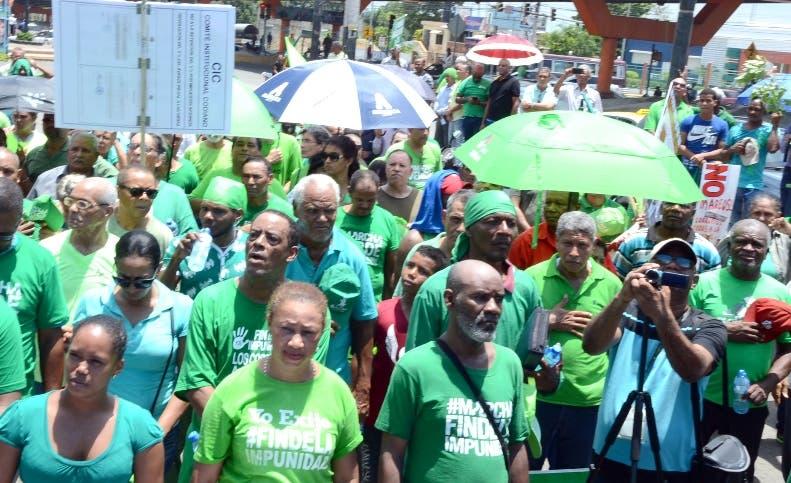 Marcha verde del barrio los Alcarrizos -30/7-17/foto El Día, José de León